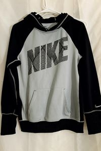 Nike therma fit womens medium hoodie